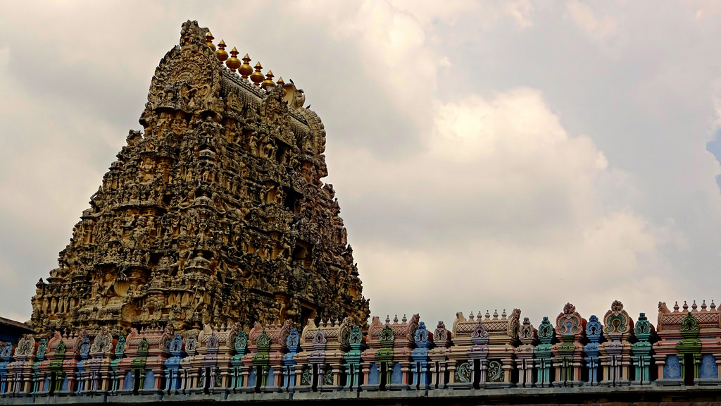 Ekambareswarar Temple: Mango Tree bestowing Four Varieties Representing  Four Vedas - True Discovery